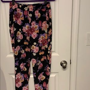 Like New Flower Pattern Pants from Forever21